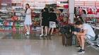 Kim Lý xuất hiện cùng Hồ Ngọc Hà ở sân bay