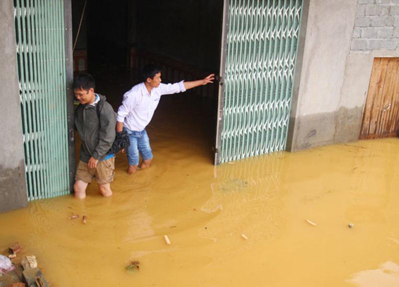 Lào Cai mưa lớn kéo dài, cô lập nhiều nơi