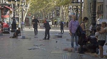 Cảnh tượng hỗn loạn sau vụ khủng bố ở Tây Ban Nha