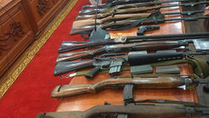 Bắt doanh nhân tàng trữ cả kho vũ khí quân dụng trái phép