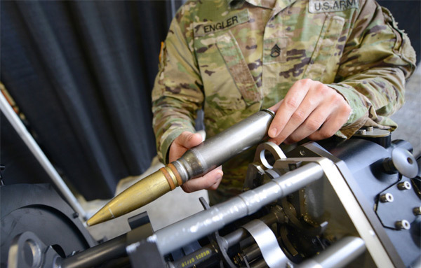 Xem xe bọc thép Mỹ nhả đạn ngoạn mục