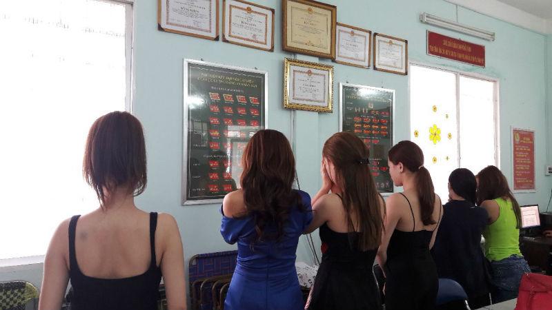 Đường dây mại dâm người mẫu, ca sĩ 2.500 USD/lượt tổ chức như thế nào?