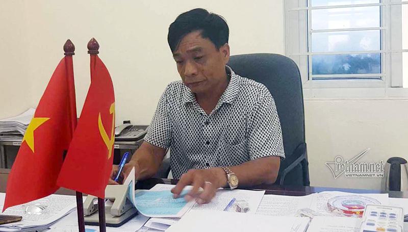 Phê bình Chủ tịch xã phê 'chưa chấp hành' lên lý lịch sinh viên