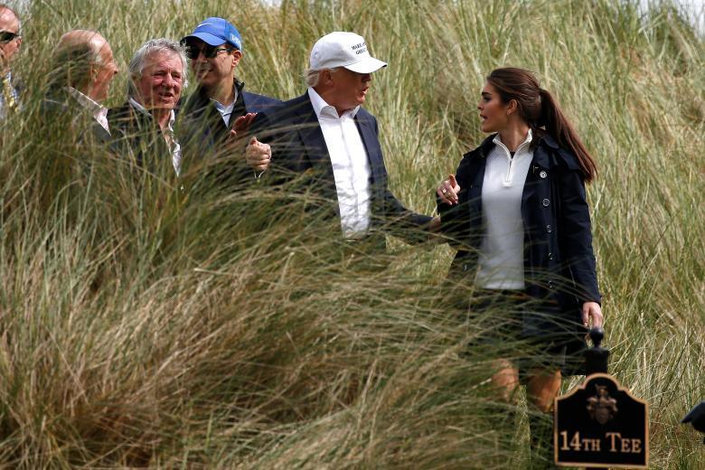 Vẻ đẹp của cô gái ông Trump may mắn tuyển được