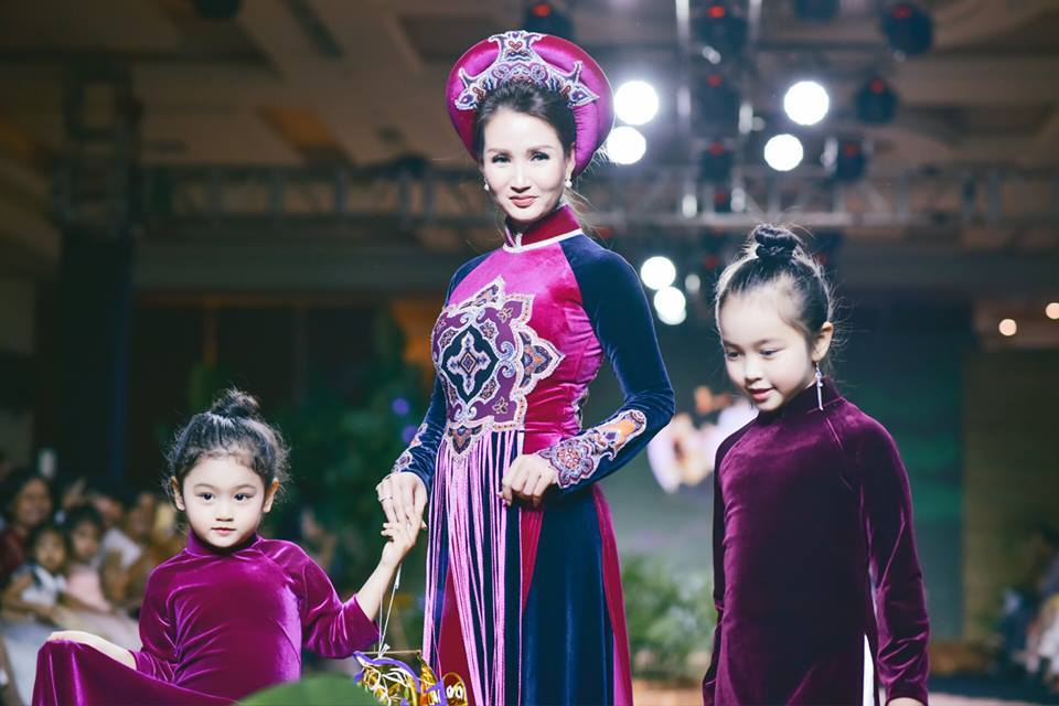 Việt Trinh, Sương Đặng, Làng sao