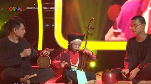 Màn trình diễn hát xẩm của Tú Thanh