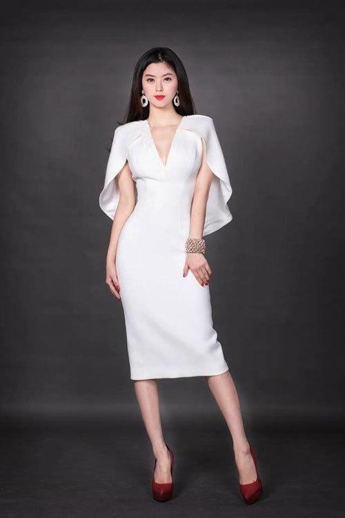 Thời trang công sở phù hợp cho cô nàng mệnh Kim