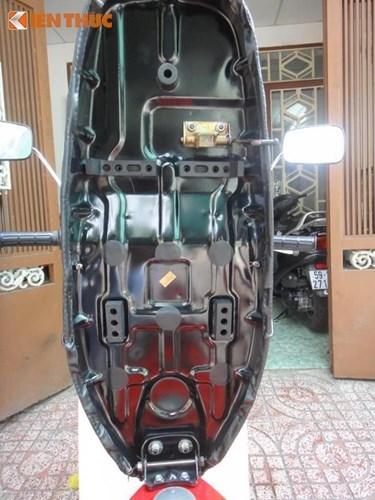 Xe máy Honda DD đỏ 30 năm giá trăm triệu tại Sài Gòn