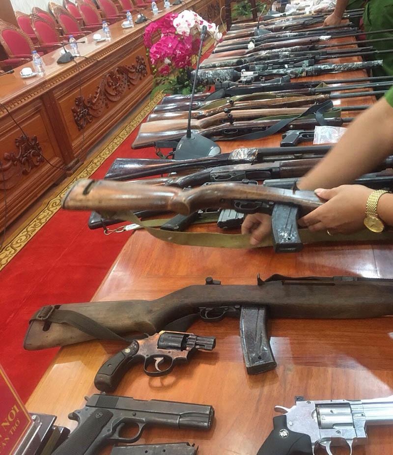 Chi tiết vụ bắt doanh nhân tàng trữ 28 khẩu súng cùng hàng ngàn viên đạn