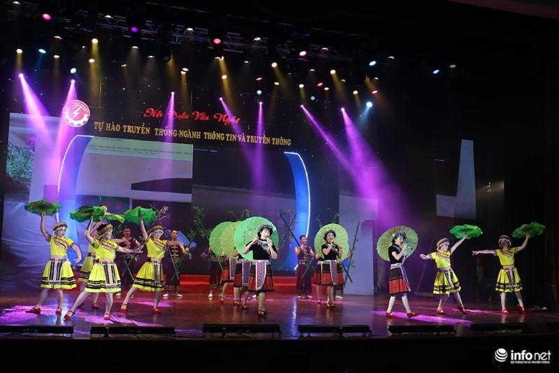 Hội diễn văn nghệ chào mừng 70 năm ngày thành lập Công đoàn TT&TT
