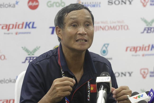 """HLV Mai Đức Chung: """"Gặp Thái Lan, cơ hội là 50-50'"""