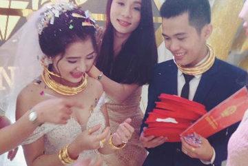 Vàng đeo gãy cổ trong đám cưới, chú rể lên tiếng