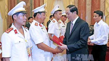 Bài viết của Chủ tịch nước Trần Đại Quang nhân kỷ niệm ngày truyền thống CAND