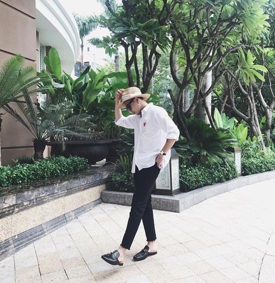 Tóc Tiên đẹp bí ẩn trong trang phục đen