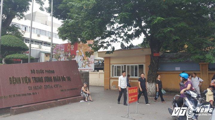 Cây sưa cổ thụ trả giá 50 tỷ đồng trên vỉa hè Hà Nội