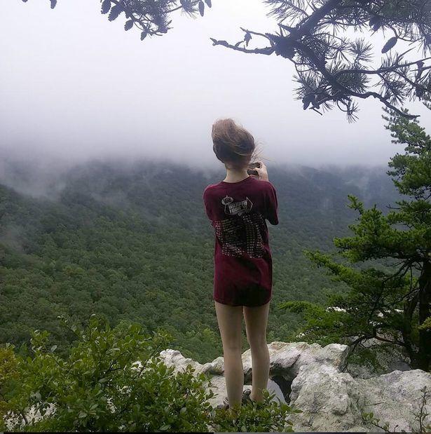 Bi kịch của cô gái trẻ nhận lời đi leo núi với người yêu cũ