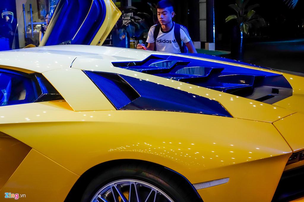 Lamborghini Aventador S độc nhất VN về tay đại gia Sài Gòn
