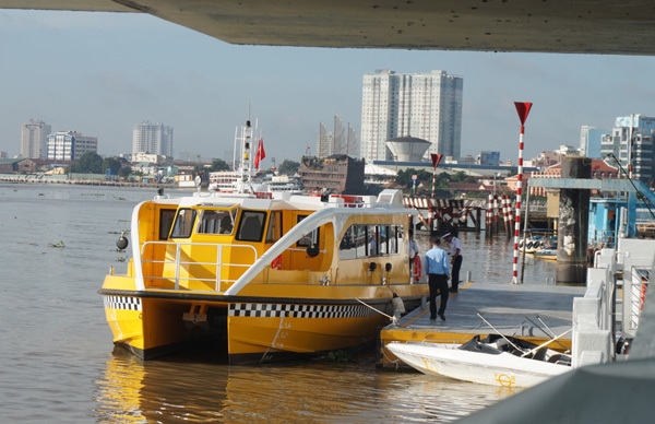 Buýt đường sông đầu tiên ở Sài Gòn chính thức ra mắt
