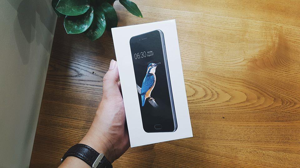 [VietnamNet.vn] BPhone 2017 vừa mở bán đã tạm hết hàng