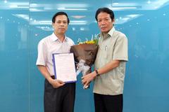 Trao quyết định bổ nhiệm Cục trưởng Cục Thông tin cơ sở