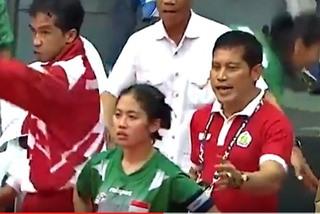 Bị trọng tài SEA Games xử ép, đội cầu mây nữ Indonesia bỏ ra về