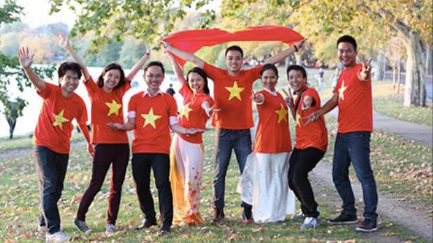 Nói tiếng Anh không chuẩn âm bản xứ, du học sinh Việt Nam có gặp khó?