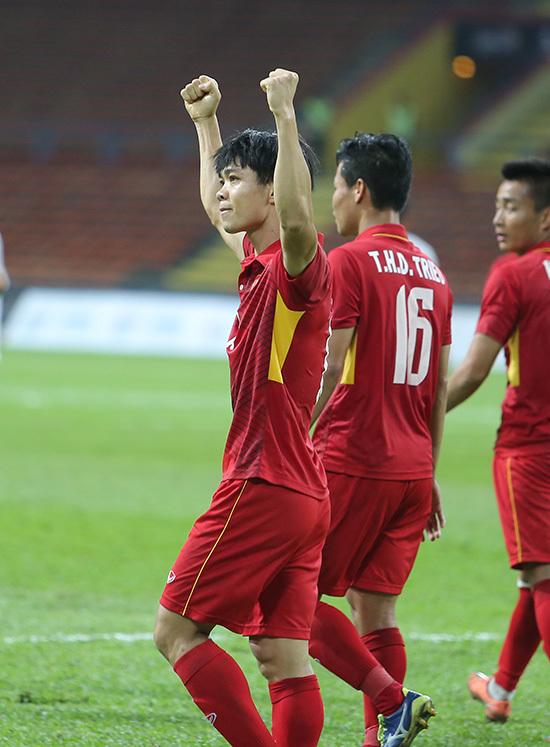 U22 Việt Nam: Những chàng trai thích thả tim và... làm điệu
