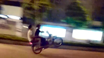 Khiếp đảm 'quái xế' rú ga, bốc đầu giữa phố Hà Nội