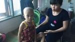 Mẹ lặng người khi bác sĩ báo con bị ung thư