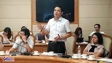 Tranh luận với Cục trưởng Bộ Y tế về thủ tục