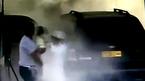 Nghẹt thở phút giải cứu em bé trong ô tô bốc cháy tại cây xăng