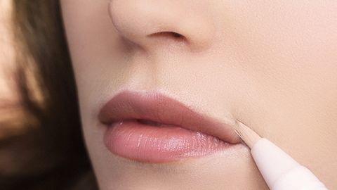 Chăm sóc môi,Trang điểm