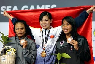 Ánh Viên giành HCV đầu tiên, phá kỷ lục SEA Games