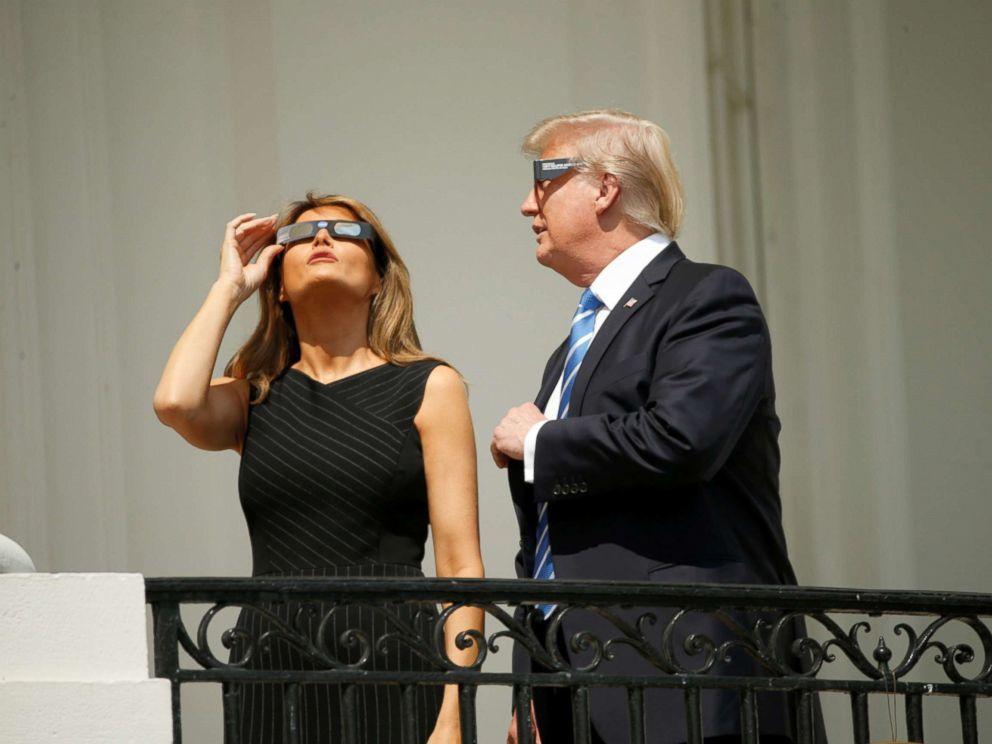 Ông Trump háo hức xem nhật thực