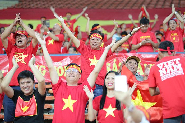'Cơn lốc đỏ U22 Việt Nam sẽ cuốn phăng U22 Indonesia'