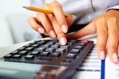 Không đủ chi tiêu tính đường tăng thu: Lo gánh nặng thuế phí