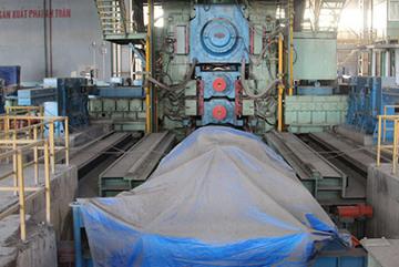 Nhà máy 3.300 tỷ để bụi phủ dày