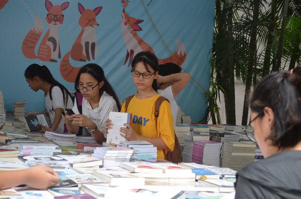 Khai mạc Triển lãm Hội chợ sách quốc tế lần thứ 6