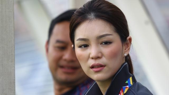 Nữ trưởng đoàn xinh đẹp: 'U22 Thái Lan sẽ đá bay Việt Nam'