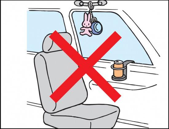 Tuyệt đối không để những vật này trên ô tô nếu không muốn mất mạng