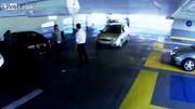 Quyết chiến sau va chạm ô tô, tài xế nốc ao đối phương chóng vánh