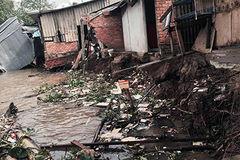 Sạt lở dữ dội, 10 căn nhà ở miền Tây bị 'hà bá' nuốt chửng