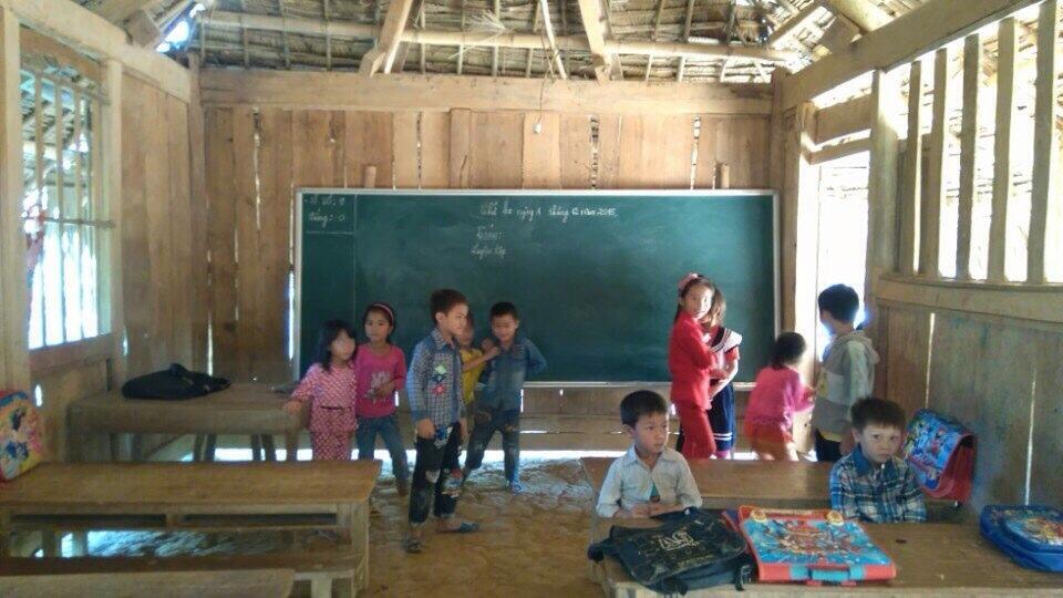 Những điểm trường lợp lá cọ ở vùng cao Thanh Hóa