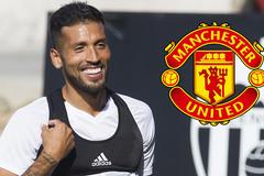 Mourinho vẫn chờ Perisic, MU hỏi mua Garay