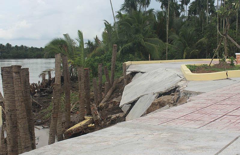 Khu tượng đài 1,7 tỷ chưa xây xong đã sạt lở nghiêm trọng