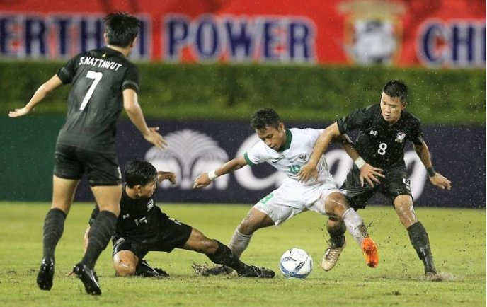 U22 Việt Nam vs U22 Thái Lan: Đá hết chân, người Thái không có cửa