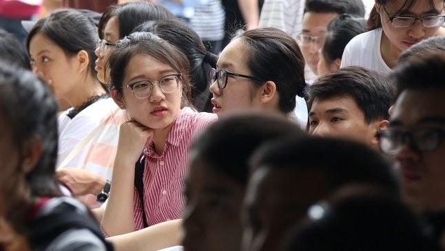 Trường THPT Chuyên Lam Sơn tuyển 12 giáo viên cho năm học mới