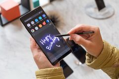 Những tính năng mới và mọi điều cần biết về Galaxy Note 8
