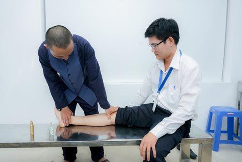 Nhựa Long Thành mời thầy thuốc chăm sóc sức khỏe nhân viên