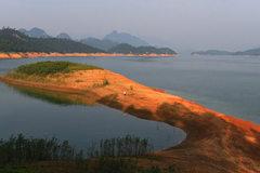 """Nghỉ lễ 2/9, đưa nhau đi trốn ở """"hoang đảo"""" xanh mướt chỉ cách Hà Nội 100km"""